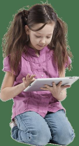 Petite fille avec tablette